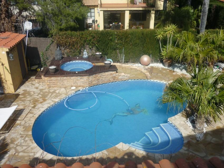 Mantenimiento piscina particular de piedra natural for Barredera piscina